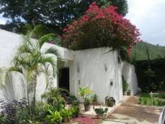 Casa Quinta en Urbanizacion El Castaño Edo.  Aragua