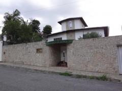 Grupo Panorama inmobiliario vende Hermosa Quinta en El Castaño Maracay