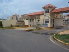 Townhouse En Venta En Avenida Milagro Norte Código: 13-3636