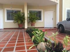 Townhouse en Venta en Doral Sur, COD: 15-5395