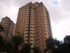 Vendo exclusivo Apartamento en el Parral,Valencia ,4 hab. Vigilancia,04166402878