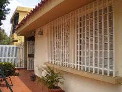 QUINTA EN VALENCIA EL TRIGAL, UNA PLANTA, PARRILLERA, 3HAB. BUEN PRECIO 0416-6402878