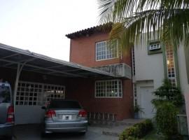 Venta de casa en Araguama Country, Maracay