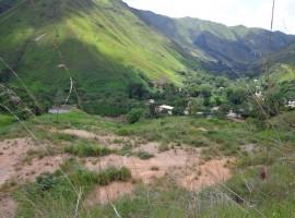 Venta de terreno en Pie de Cerro Via Colonia Tovar