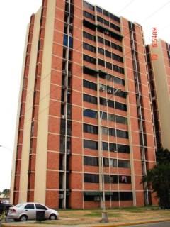 Apartamento venta Bosque Alto Maracay Aragua 15-2470