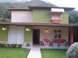 Venta de casa en El Castaño Maracay
