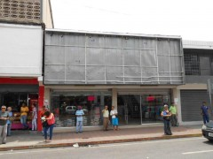 Venta de local comercial en Av. Bolivar Maracay