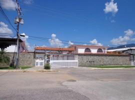Casa en venta La Mora II La Victoria A