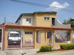 Venta casa quinta amplia comoda segura Santa Cruz