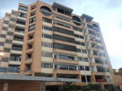 Vendo lindo Apartamento Urb Agua Blanca Valencia