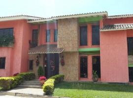 Venta de casa en Barrio Sucre Maracay