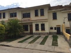 TownHouse estilo colonial Urb El Rincon Naguanagua