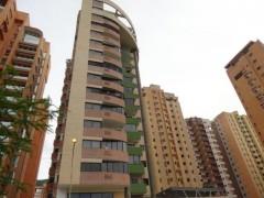 Apartamento en Venta en La Trigaleña-Valencia MLS#15-11796 MB