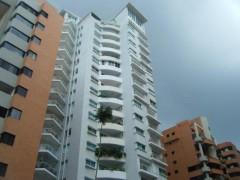 Apartamento en Venta en La Trigaleña-Valencia MLS#15-14601