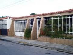 Venta de casa en Ciudad Jardin Cagua