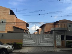 Townhouse Urb. Mañongo Naguanagua