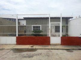 Se Vende Cómoda Casa En La Urbanización La Fontana Morita I Aragua