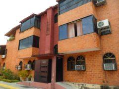 Hermoso apartamento en venta El Limón Maracay