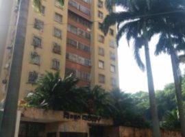 Beatrizmoffa Inmuebles Vende Apartamento en Residencias Rory en Urbanización La Trigaleña, Valencia