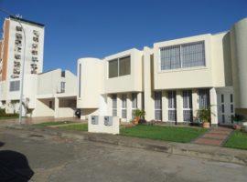 Vendo Bello Town House Conjunto Resid. Plaza MediterrÁneo, Los Olivos Pto. Ordaz