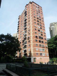 VENDO AMPLIO APARTAMENTO de Oportunidad! en el Marqués Final Avenida Sanz, diagonal al Unicentro El Marqués Caracas
