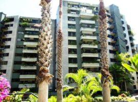 Amplio apartamento en uno de los mas exclusivos conjuntos de Sebucan en Caracas