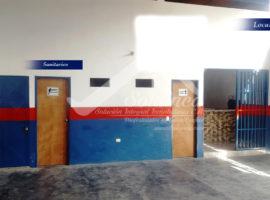 Amplio Galpón + Apartamento en gris en Merida