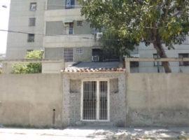 Oportunidad bello apartamento en venta  Av. Principal  Menca De Leoni, Guarenas, Edo. Miranda