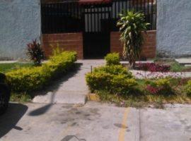 Bello y Cómodo Apartamento. Urb Montaña Fresca Maracay 04121463609