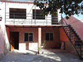 Hermosa casa con local anexado en El Limon  Maracay