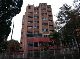 Oportunidad de Alquiler. Apartamento semiamoblado  en la Castellana Caracas