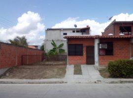Casa con 190mts de Terreno, en el Sector el Ingenio, Conjunto Residencial Muralla Arriba, Guatire