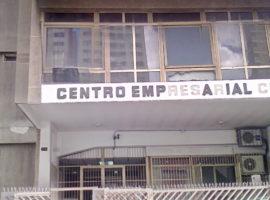 Oficina en Venta o Alquiler en el Centro Empresarial Cipreses en Caracas