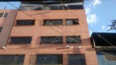 En venta Edificio Industrial ubicado en estrategico punto comercial en Prado de Maria en Caracas