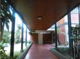 Apartamento en Venta en la Avenida Las Palmas  Sector la Florida Caracas