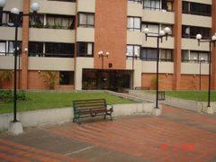 Hermoso y funcional apartamento en Residencias Avila Humboldt en la urbanización Lomas del Avila en Caracas.