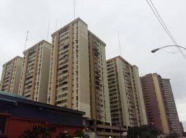 Cómodo apartamento ubicado en el Centro de la Ciudad en venta Los Mangos en Maracay