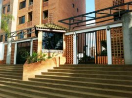 CyG CONSULTORES, C.A. Ofrece en venta bello apartamento en Residencias Sinamaica, Los Mangos, Valencia, estado Carabobo