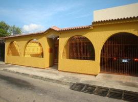 Hermosa, amplia Casa en venta Los Overos Norte Turmero