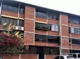 Hermoso y cómodo apartamento ubicado en la Urbanización Castillejo, Res. Mirador Del Este, Guatire.