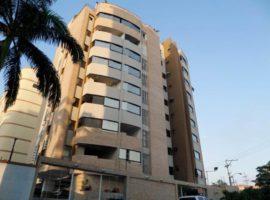 Hermoso apartamento en venta San Isidro Maracay