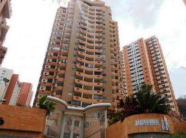 CyG Consultores, C.A ofrece en venta: Hermoso apartamento en Las Chimeneas, Valencia
