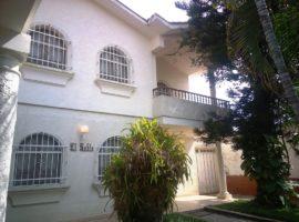 CyG Consultores, C.A ofrece en venta: Hermosa Casa de 02 Plantas en el Trigal Sur, Valencia