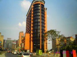 En Alquiler Excelente oficina ubicada en una de las torres mas famosas de Chacao Caracas