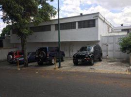 Excelente Deposito para uso comercial o industrial,en alquiler Santa Monica Caracas