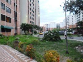 Venta de apartamento en la Urb Bosque Alto Maracay edificio el Samán