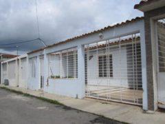 Casa en venta en La Morita, Maracay