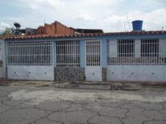 Casa en venta La Esmeralda, Maracay