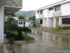 Venta de Townhouse Barrio Sucre, Maracay