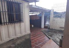 Casa en venta Urb. La Macarena, Los Teques